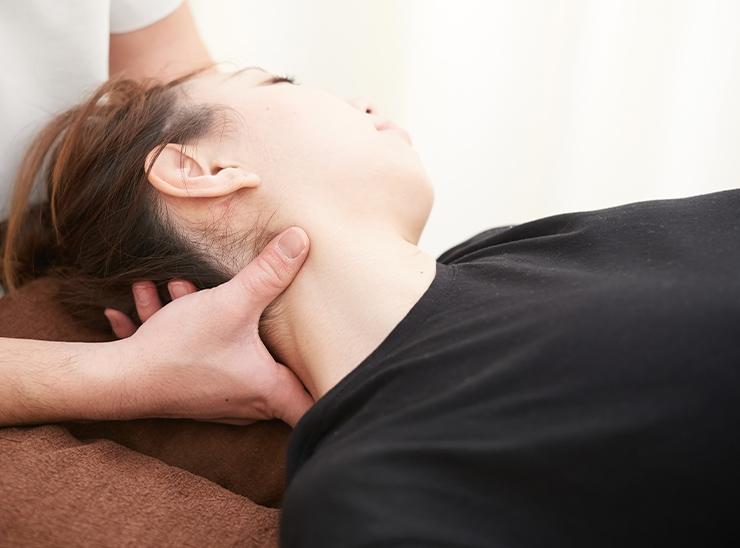 スマホ首、ヘッドリリース(筋膜)、肩甲骨リリース
